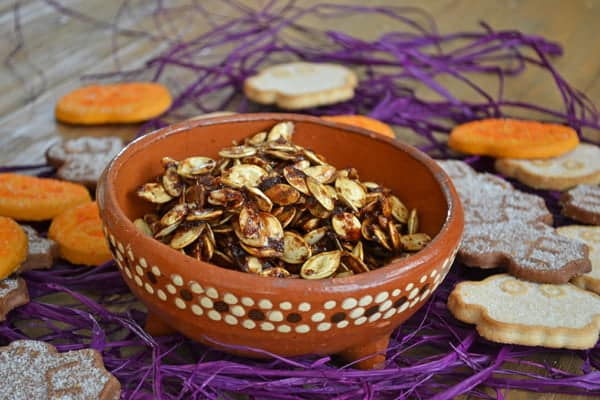 Maple Pumpkin Spice Roasted Pumpkin Seeds - Get the delicious recipe on COOKtheSTORY.com