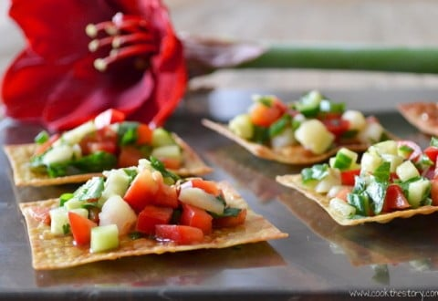 Asian Salad on Crispy Wontons, one of the healthy appetizer recipes I'm brining you for my March Canapé Madness