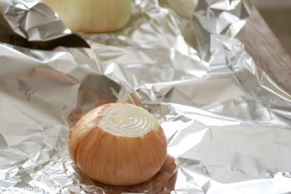 How to roast onions so that they're soft and sweet and creamy by www.cookthestory.com