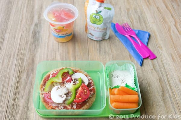 Pizza Bento Box, a healthy and easy lunch idea for kids by @cookthestory created for @produceforkids