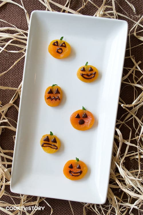 Apricot Jack-o'-Lanterns: A healthy classroom snack for Halloween
