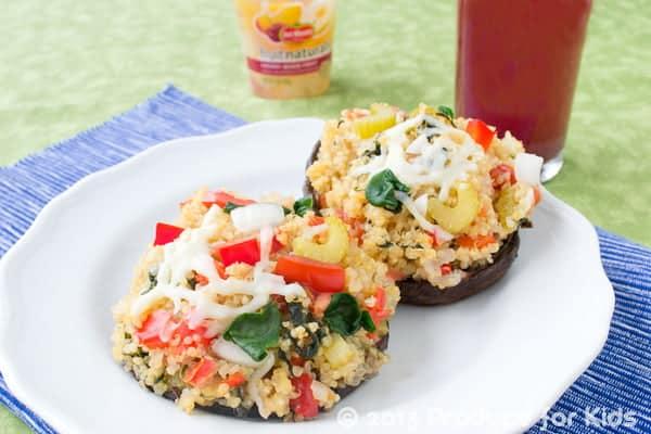 Cheesy Quinoa Stuffed Mushrooms. A quick and easy vegetarian dinner. #vegetarian #quinoa
