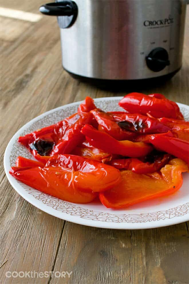 Did you know that you can make roasted peppers in the slow cooker? You can! They turn out with a flavor just like peppers roasted in the oven or over a flame but they're easier to make, and to peel!