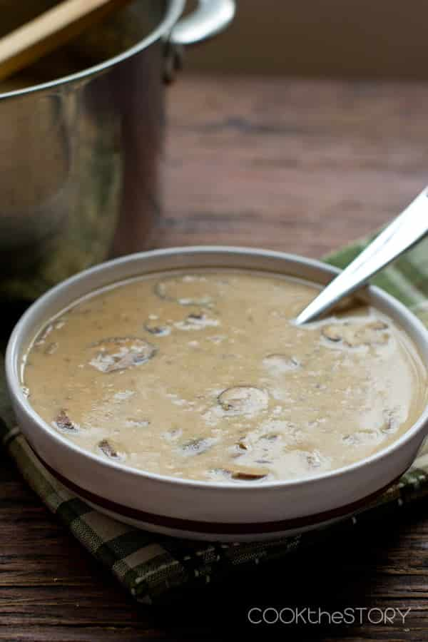 Creamy Mushroom Soup, easy to make and ready in only 15 minutes