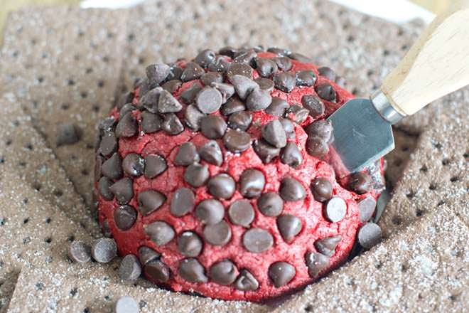 A perfect easy Valentine's Day dessert: Red Velvet Cheese Ball