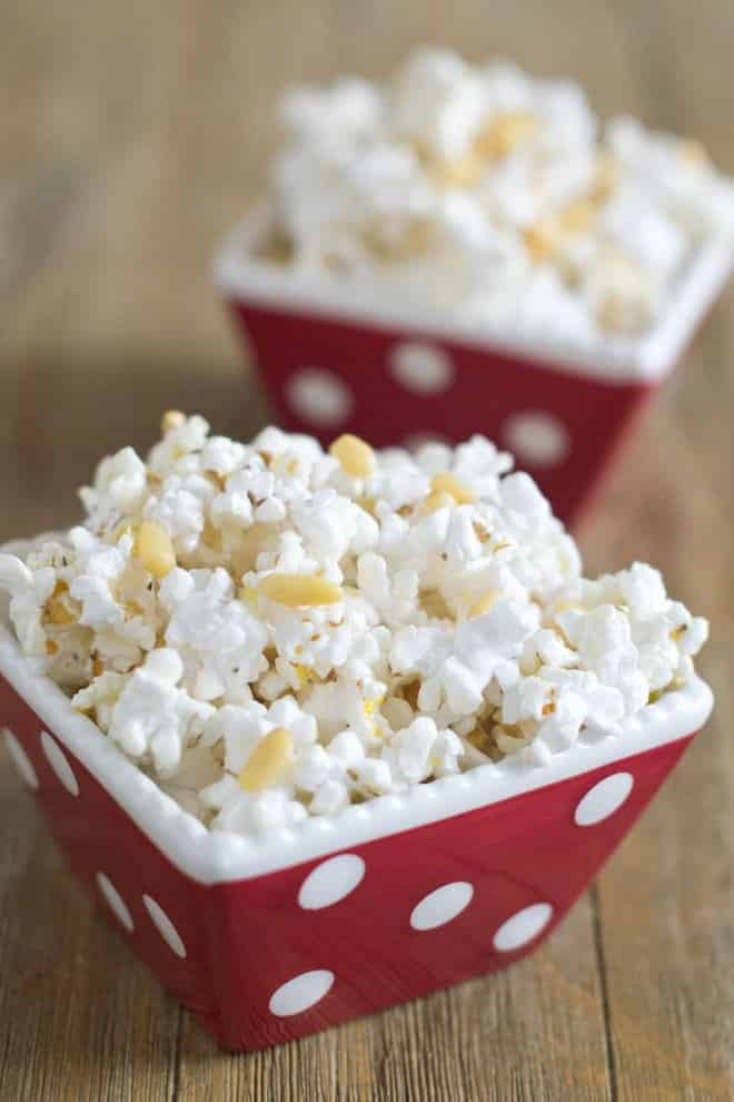 Healthy Mediterranean Popcorn
