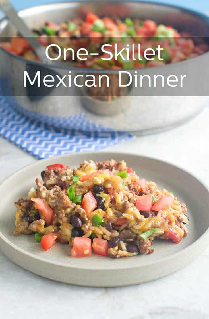This is a delicious (deeeelicious!) Tex-Mex style dinner that is all cooked in one pan in 30 minutes. Quick and easy to make, quick and easy to clean up. You need to try this one! #dinner #easydinner #easy #homemade #mexican #mexicanfood #food #healthy #rice #beef