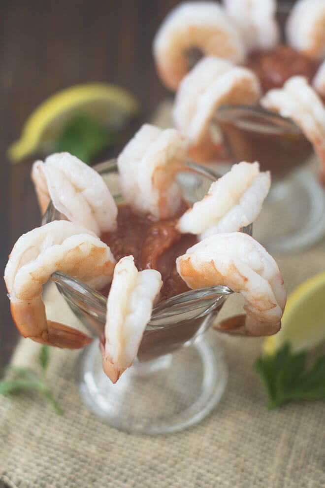 How to prepare frozen raw shrimp for cocktail